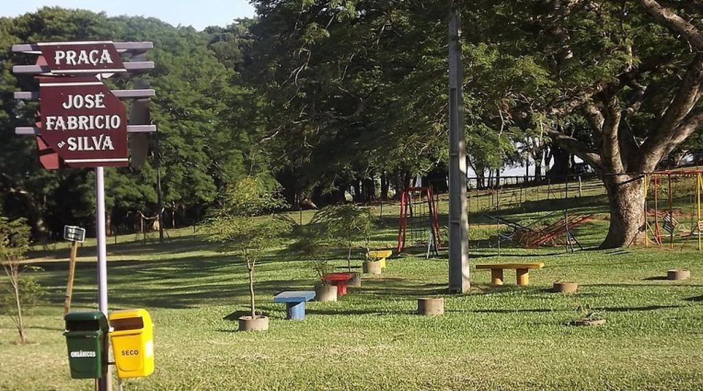 PRAÇA JOÃO FABRICIO DA SILVA - Bonito e tranquilo lugar localizado na Av. Marechal Castelo Branco, próximo ao Bairro Gaúcha.